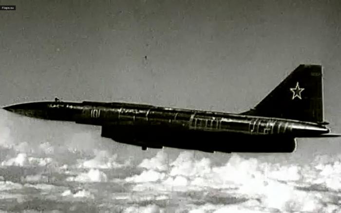 Т-4 или инновации в небе