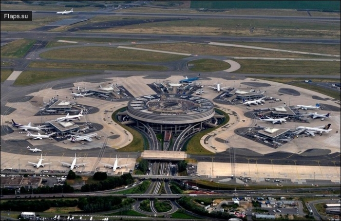 Международный аэропорт Шарль-де-Голль (Париж)