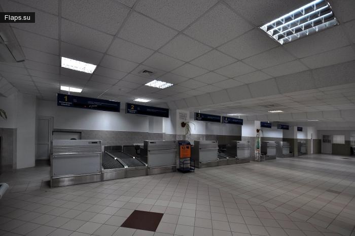 Терминал внутренних авиалиний аэропорта Нижневартовск