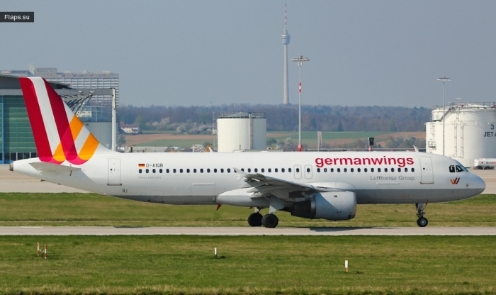 Germanwings / Airbus A320-211 / D-AIQB